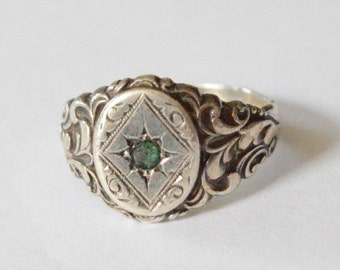 SALE Vintage Sterling Silver Etched Emerald Art Nouvea Band Size 7.5