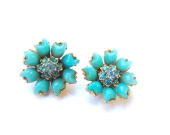 Vintage Turquoise Flower Cluster Earrings Rhinestone Clip On Retro Flower Power Fashion Jewelry