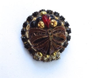 Beautiful Domed Rhinestone & Mixed Metal Brooch