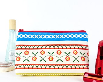Vintage Folk Style Makeup Bag in Retro Floral Fabric Gift for Woman