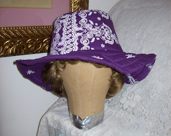 Vintage Ladies Floppy Purple Beach Sun Hat by Papillon Only 7 USD