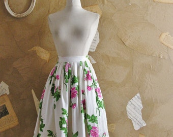 Vintage 1950s -Rose Print Cotton Barcloth Circle Skirt -Painting The Roses-