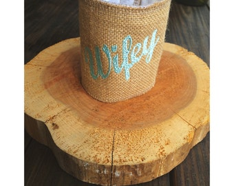 BURLAP PERSONALIZED CAN Cooler / Bride Groom / Bridesmaid Groomsmen Gift