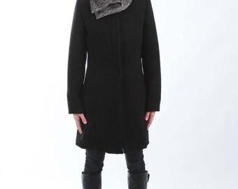 "Wool Shawl Black & White - 27"" x 9.5"" BIG with a Snap Closure"