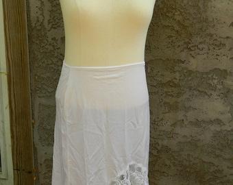 Vintage White Half Slip / 1960s Medium Nylon and Lace Half Slip / Vintage Slip Size M