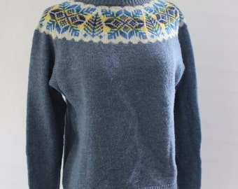 Womens Lightweight Wool Sweater, Nordic Wool Sweater, size Small