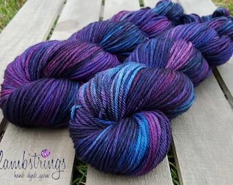 Ewetopia Worsted, Hand dyed yarn, Superwash Merino Wool, 218 yds/ 100g: Mrs. Crow.