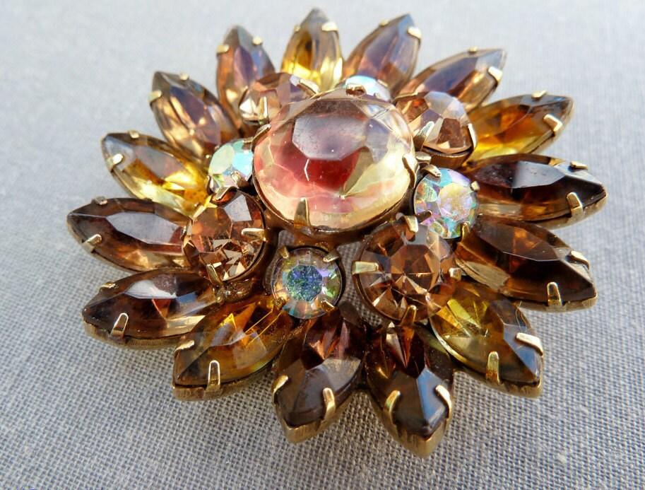 Rhinestone Kramer Brooch Brown Topaz Art Glass Vintage