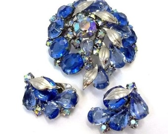 Vintage Blue Rhinestone Brooch and Earring Set Silver Metal Leaves Blue Aurora Borealis Rhinestone Demi Parure Blue Wedding Bridal DD 871