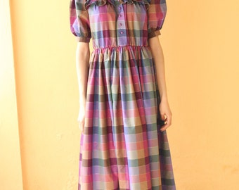 Vintage Maxi dress/Plaid dress/Ruffle collar dress/Checked dress/Taffetas /size medium to small