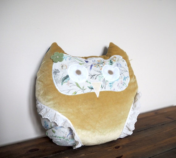 Owl Throw Pillow Etsy : Owl Pillow Owl Decor Owl Cushion Throw Pillow by GemBobsCrafts