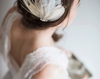 Feather hair clip - Blush Ivory Bridal fascinator - Adeline
