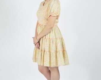 Vintage 1960's Pink Spring Dance Dress- Lolita Style Dress- 60's Pink Square Dance Dress- Full Circle Skirt Dance Dress - Ladies size Medium
