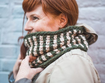 Chunky cowl, two tones stripes cowl, cozy crochet cowl - Pick your own colors