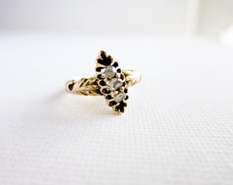 Small Antique 8K Gold Ring with 3 Diamante Rough Cut Diamonds in US Ring Size 5.5