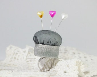 gray pincushion ring, upcycled bottle cap, gray cotton  little birds, handmade pincushion, quilters gift, bottlecap pincushion, pincushion