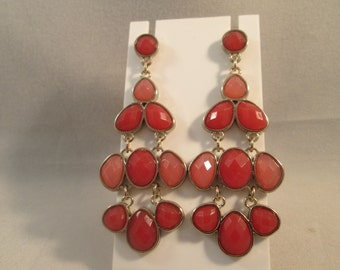 POST Dangle Earrings in Red and Pink