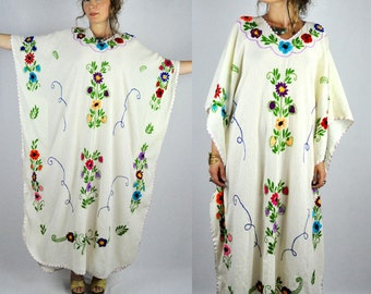 Mexican Floral EMBROIDERED Ivory Cotton CAFTAN Dress 70s Mexican Dress Boho Hippie Gypsy Ethnic Wedding Bride Beach Summer size S - M