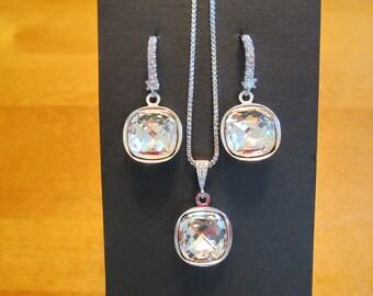 NEW Swarovski Bridesmaid Jewelry Set/Clear Crystal Bridesmaid Earrings/Crystal Necklace/Bridesmaid Gift/Bridal Jewelry/Swarovski Bridesmaid