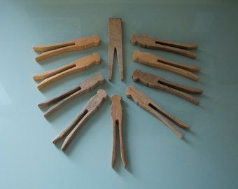 Vintage wooden clothes pins clothes pegs