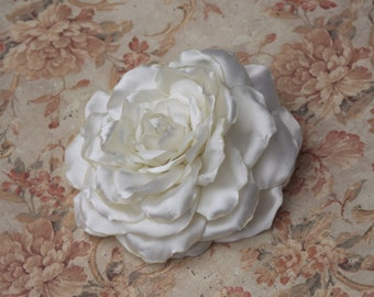 Ivory Hair Accessory, Ivory Bridal Flower, White Fabric Flower, Wedding Ivory Hair Clip, Flower Bridal Hair Clip, Bridal Rose Clip