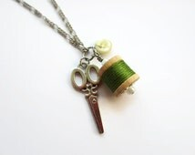 Antique scissor necklace - Vintage spool necklace - Chartreuse green sewing charm pendant - Thread spool pendant - Cute quilting jewelry