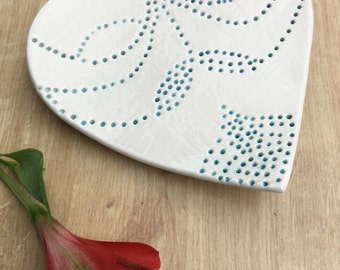 Ceramic textured heart dish