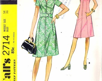 """Vintage 1971 McCall's 2714 Dress in Two Versions Sewing Pattern Size 14 Bust 36"""" UNCUT"""