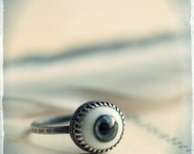 Glass eye ring, evil eye protection talisman, dolls eye, sterling silver eye ring, fancy gallery wire and hammered band, stackable ring.