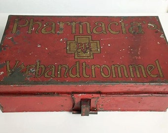 Vintage Antique Pharmacy First-aid box -Dutch PHARMACIAS verbandtrommel- 1940-1950 metal.