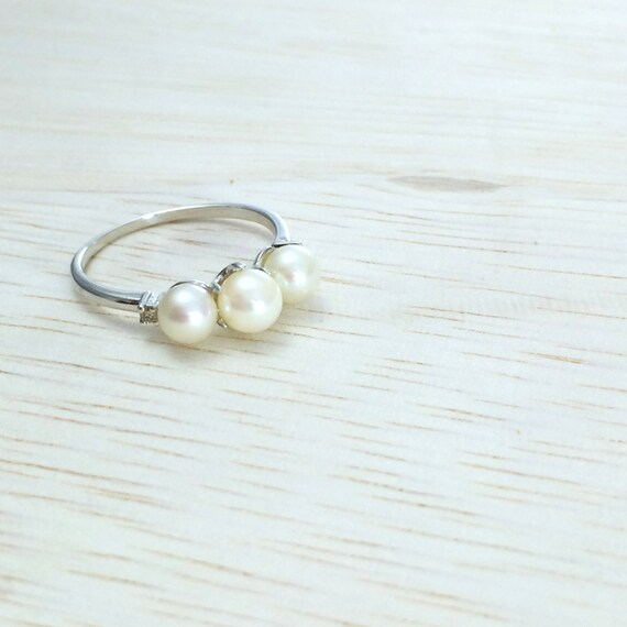 Pearl engagement ring Silver pearl ring Alternative engagement