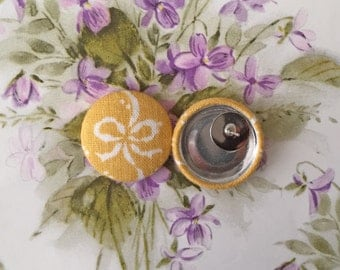 Button Earrings / Fabric Covered / Wholesale Jewelry / Butterscotch Yellow / Bows / Gifts for Her / Bridal Shower Favors / Vintage Inspired