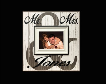 Mr & Mrs NewlyWed Picture Frame Gift ~ Personalized Bridal Shower Gift ~Last Name Frame~ Bride and Groom Gift ~ Unique Wedding Gift