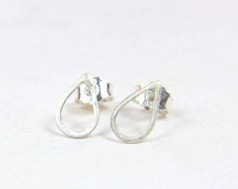 Sterling Silver  drop raindrop earrings, minimalist jewelry, waterdrop