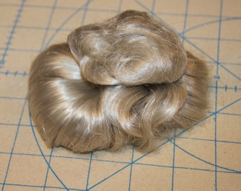 Vintage doll wig grey approximate size 6-7 in very good condition