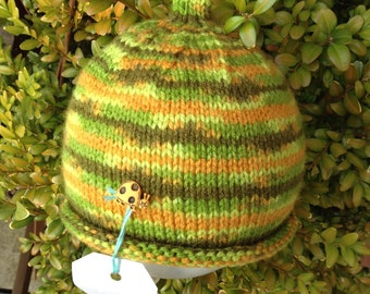 Green bug beanie hat - hand-knitted childrens hat with bug button