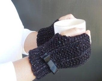 Black Fingerless Gloves / Wrist Warmers / Fingerless Mittens / Knit Gloves / Mitts