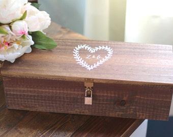 Custom Wedding Wine Box with Heart Wreath, Ceremony Wine Capsule, Wedding Wine Box, Rustic Wedding, Wedding Gift, Anniversary Gift, B-1