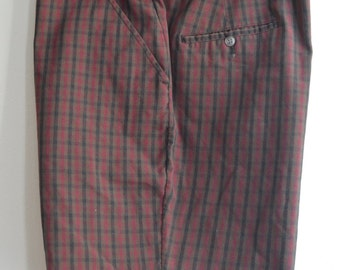 Vintage 50s/60s Maroon/Black/Brown Plaid Shorts by Smartair Size 34