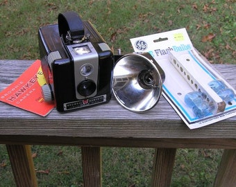 1950s Vintage Bakelite Brownie Hawkeye Camera Outfit by Kodak with Box, Flash, Instructions, 4 Bulbs, Uses 620 Film & M-2 Flash, 1950 Staple