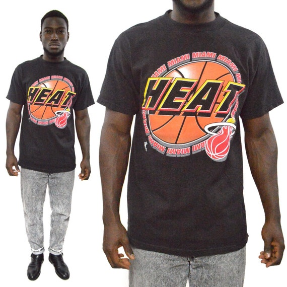 Vintage 90s Miami Heat Logo 7 Basketball T Shirt Sz L