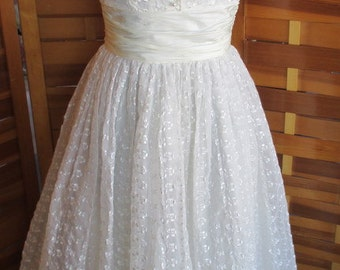 Vintage 50s White Embroidered Chiffon Full Skirt Party Dress XS