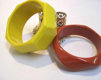 2 Bangle Bracelets, Vintage Orange And Yellow Bracelets, Chunky Style Bracelets,  Plastic 70s Bracelets, Vintage Bracelets, Bangle Bracelets