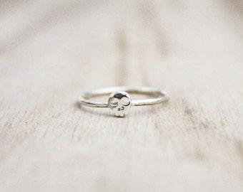 Skull ring, tiny skull ring, halloween ring, skull, skull ring, fall ring, fall jewelry, stacking ring, sterling silver