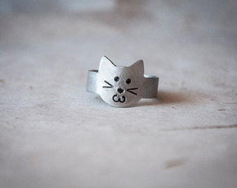 Cat ring, adjustable band ring in the shape of a cute kitten, gift ideas for cat lovers, cat lady, ring w/ cute cat face, animal rings, pets