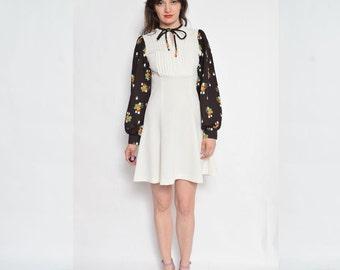 Vintage 70's Beige Floral Mini Dress / Long Sleeve Beige Dress