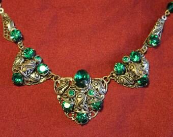 Emerald Green Czech Glass Art Deco Silver plated Brass Filigree Necklace