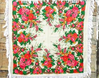 Rare collectible Russian shawl White ivory red green Piano shawl Wool fringe shawl Pavlovo Posad shawl Bohemian wedding Boho wedding shawl