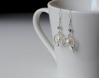 Bird Earrings, Silver Drop Earrings, Bird Jewelry, Dainty Earrings, Silver Bird Jewelry, Pearl Earrings, Cute Earrings, Mother of the Bride
