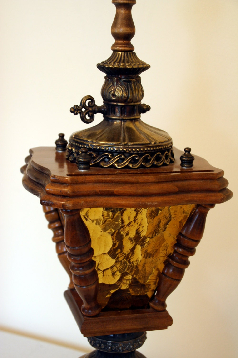 Gothic table lamp amber crackle glass-coach light
